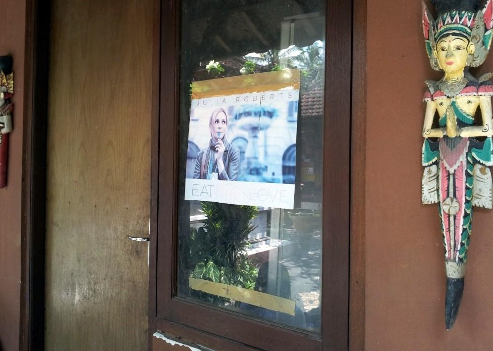 Fotografia Juliei Roberts, la loc de cinste acasă la Ketut