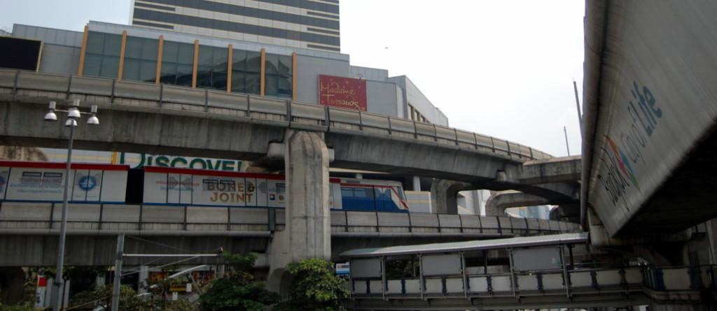 Trenul suspendat din Bangkok