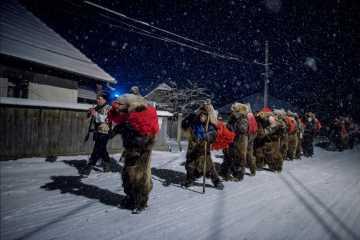 Tradiţia ursarilor, pe Valea Trotuşului (foto:  Diana Zeyneb Alhindawi)
