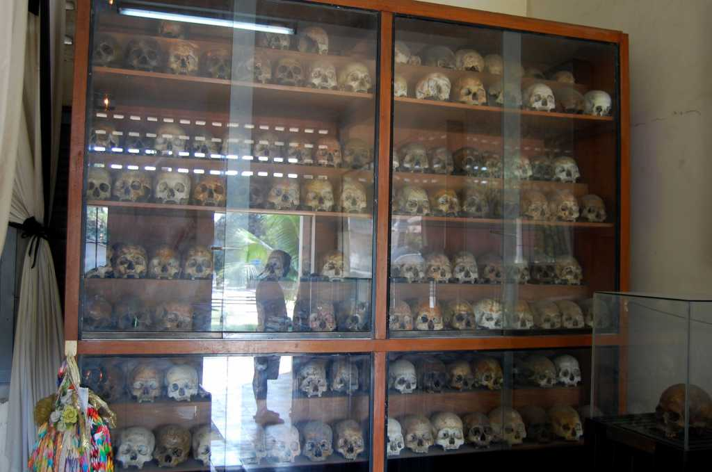 Cranii din gropile comune în care khmerii roșii aruncau cadavrele