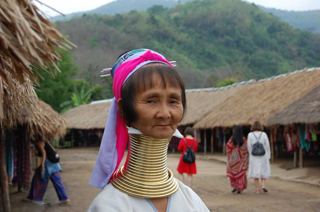 Femeile thailandeze)