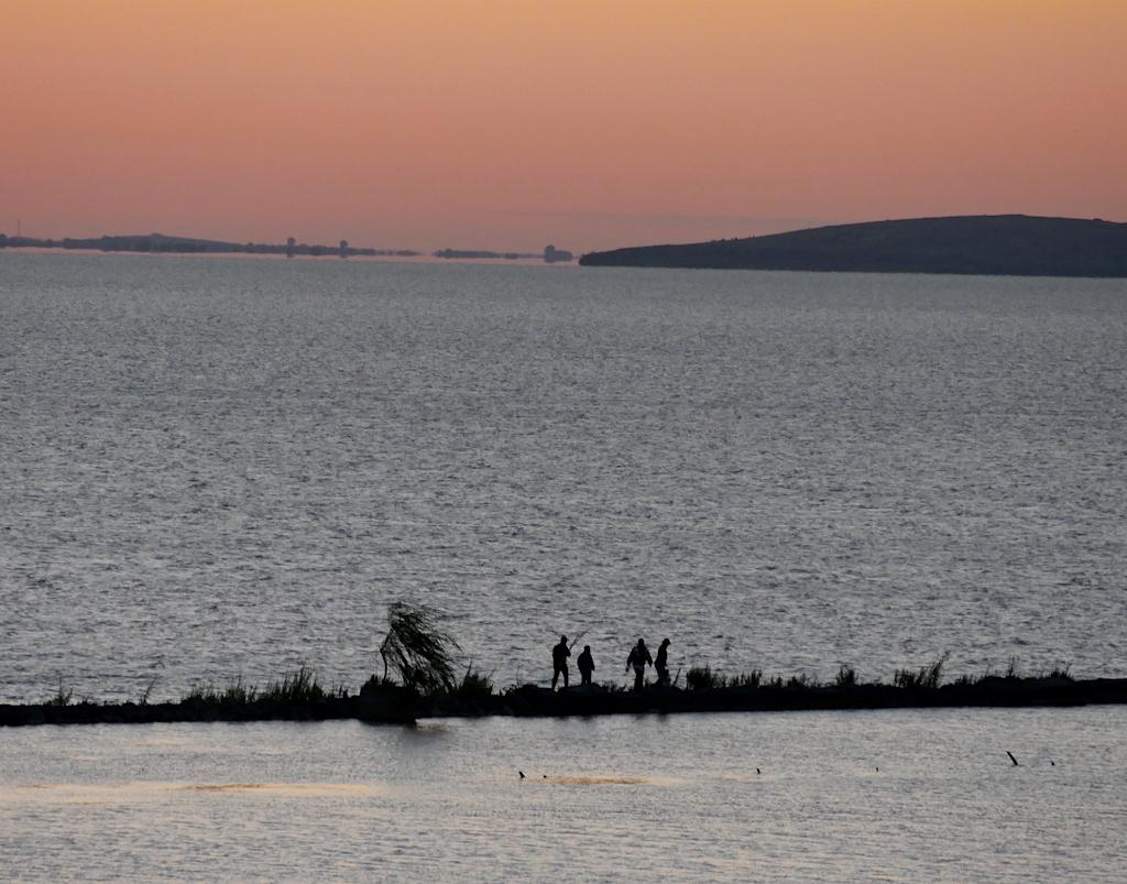 Pescari din Sarichioi, la răsăritul soarelui