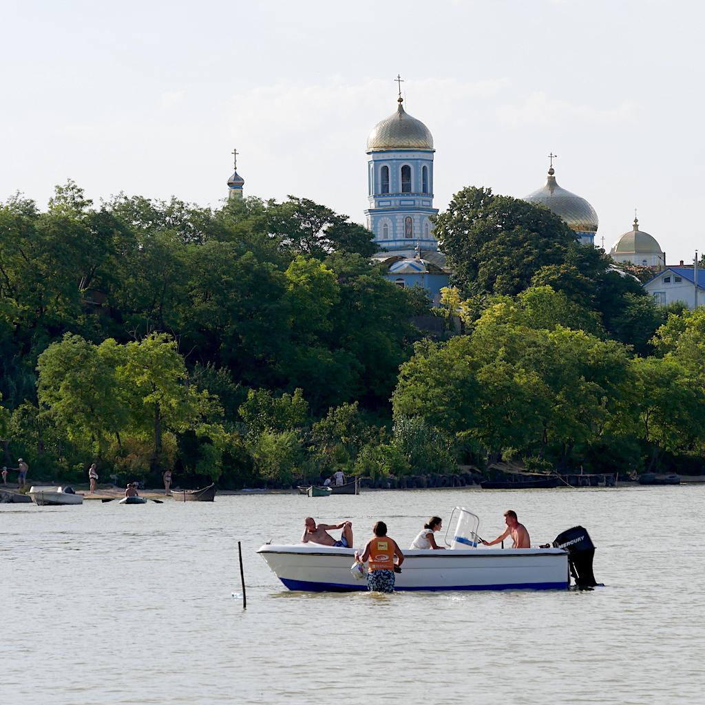lacul Razelm și biserica din Sarichioi
