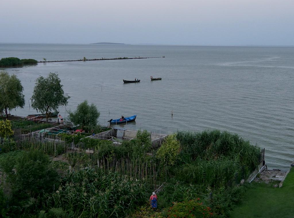 Vedere cu lacul Razelm