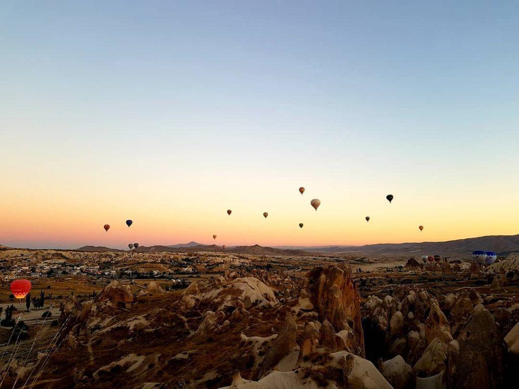 Baloane în aer în Cappadocia