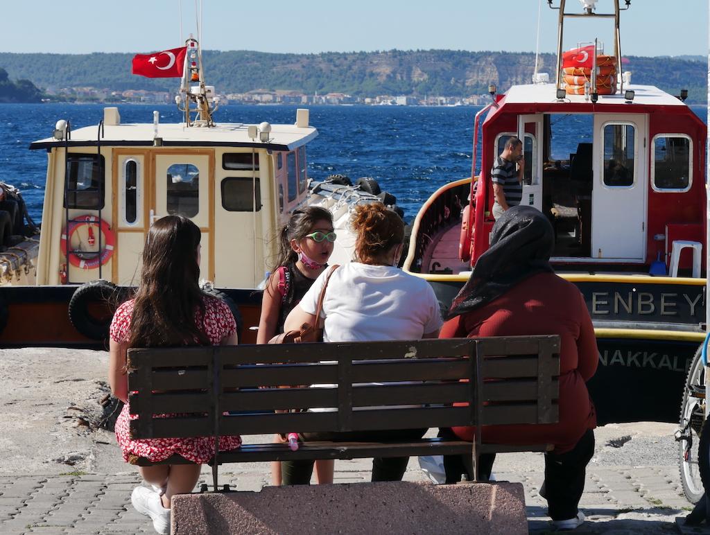 Femei, fete, vapoare, mare, Canakkale