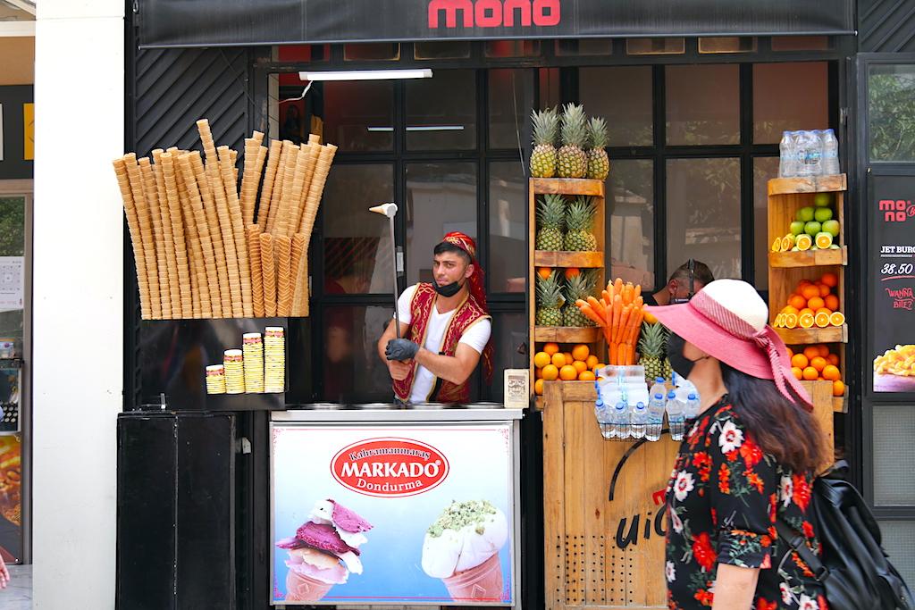 vânzător de înghețată, fructe, trecător, Istanbul